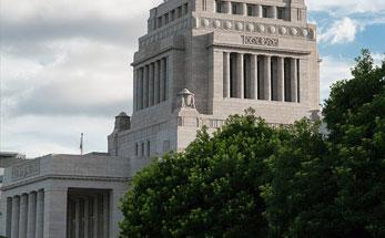 女性が日本の経済を救う?